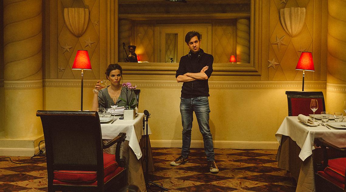 Thekla Reuten en Jeroen Houben op de set van Home Suite Home